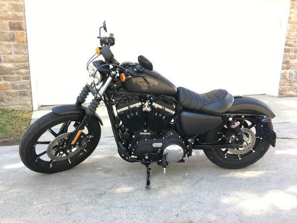 Photo 2017 Iron 883 Sportster Harley - $8,500 (Omaha)