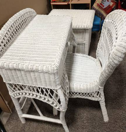 Photo 3-pc White Wicker Set - $60 (Millard)