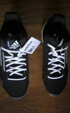 Photo Adidas Performance quotWheelhouse 2 Midquot baseball cleats size 6.5 new - $15 (108th and Maple)
