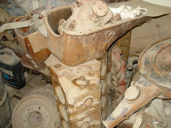 Photo Chevy 427 Engine Parts 454 Block, heads, etc. - $200 (Council Bluffs)