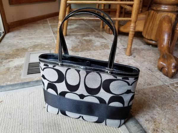 Photo Coach Purse (black and grey) - $45 (108th  Harrison)