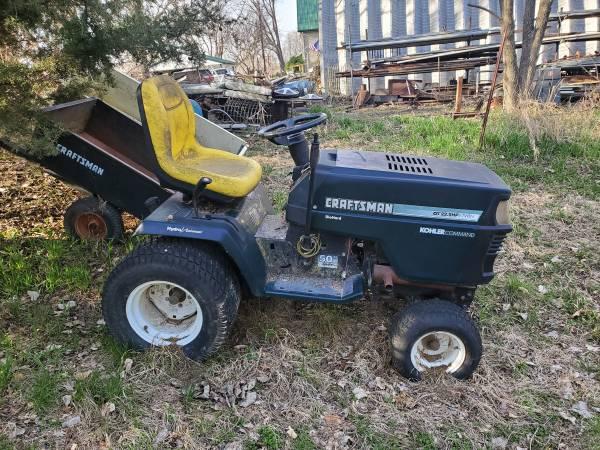 Photo Craftsman 22.5 HP riding mower - $150 (FORT CALHOUN)