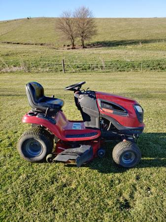 Photo Craftsman Riding Lawn Mower - $700 (Dunlap, IA)