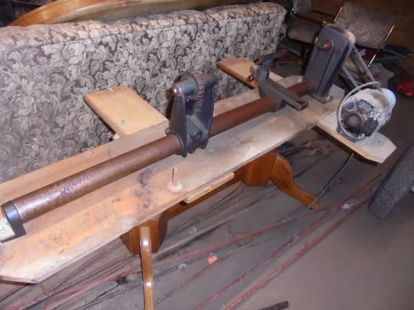 Photo Craftsman Wood Lathe - $225