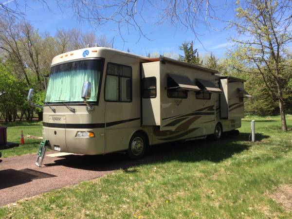 Photo Diesel Motorhome loaded with options - $63,000 (Omaha , near 132 Maple)