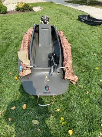 Photo Float boat with long shaft mud motor - $1,000 (Omaha)