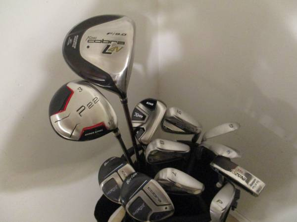 Photo Golf Clubs and Bag Excellent RH Mens Cobra Max Techflo set - $360 (Gretna, NE)