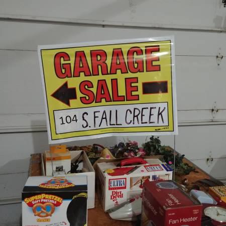 Photo Huge Garage Sale (Eagle Ridge, Papillion)