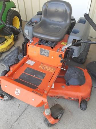 Photo Husqvarna RZ5424 Z-Turn Mower (Used) - $1,350 (Glenwood IA)