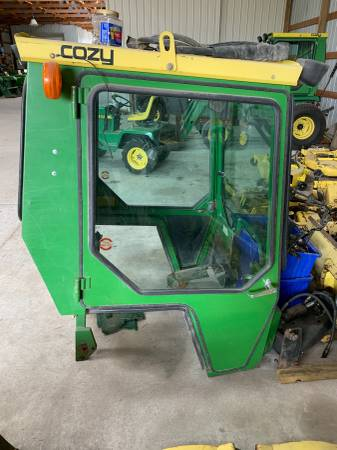 Photo John Deere 955 Attachments (Adams, Ne)