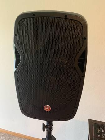 Photo NEW Harbinger mixer  powered speakers PA - $450 (Lavista)