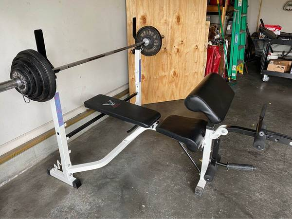 Photo Olympic bench press and weights - $575 (Council Bluffs)