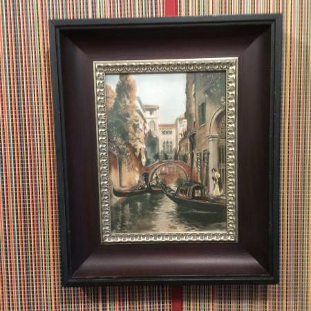 Photo PICTURE  ITALY RIVER BOAT  FRAMED GLASS FRONT  WOOD FRAME - $20 (OMAHA)