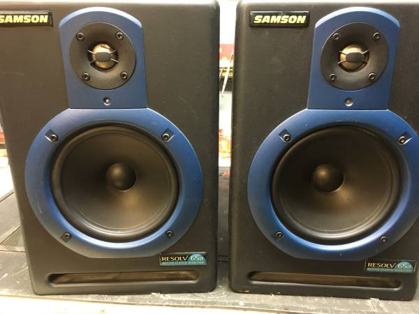 Photo Samson Resolv 65a powered studio monitors speakers - $125 (Omaha)