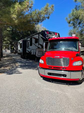 Photo The ULTIMATE Big Red Tailgater - $130,000 (Los Angeles)
