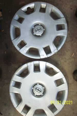 Photo Toyota Scion Wheel Covers Hub Caps - $20 (66 Blondo)