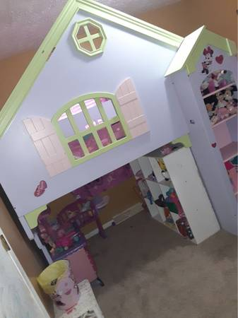 Photo Twin over full dollhouse loft bed house - $450