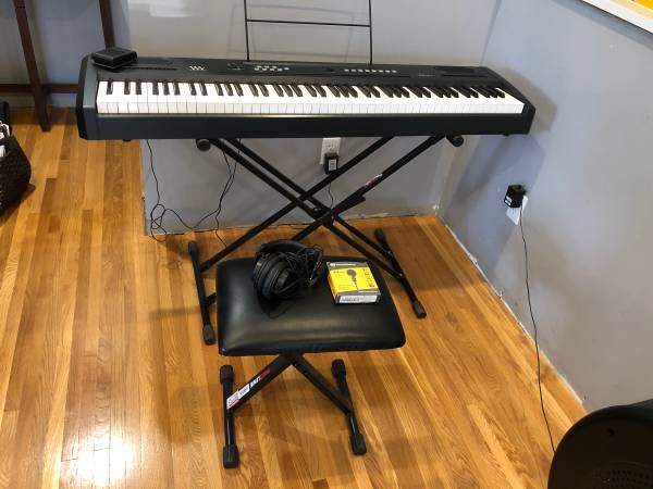 Photo Williams Allegro Piano - $200 (Omaha)