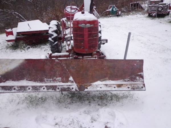 Photo Farmall A Snow plow - $650 (0tego)