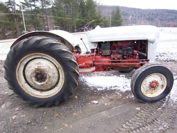 Photo Ford Tractor Golden Jubilee Runs Great - $3,250 (OneontaMilford)