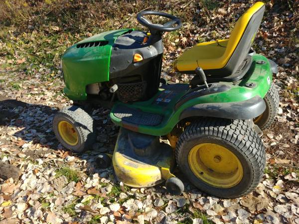 Photo John Deere L120 Lawn Tractor - $400 (Guilford)