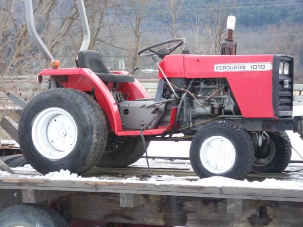 Photo Massey Ferguson Tractor 1010 3cy Diesel 4 Wheel Drive - $1550 (MilfordOneonta)