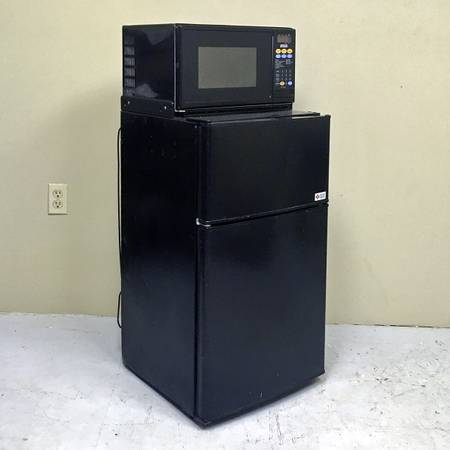Photo MicroFridge - Mini Fridge, Freezer,  Microwave in One - $150 (179 River St, Oneonta)