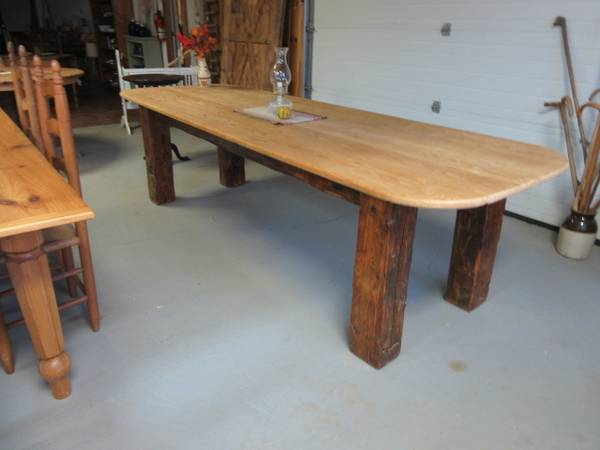 Photo Rustic Furniture, counter tops and tables made to order- Barn Wood (Salem, NY)