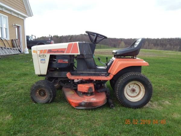 Photo Simplicity Lawn Mower - $200 (Westford)