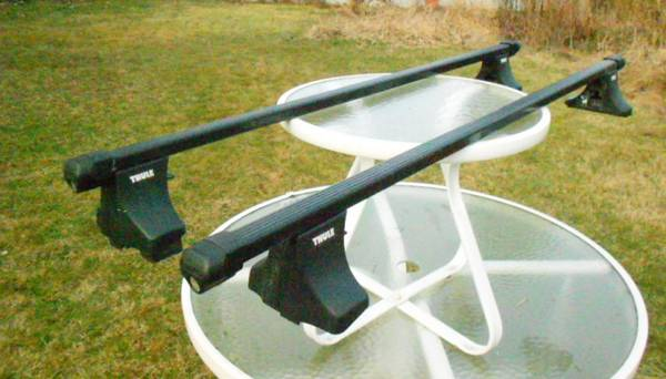 Photo Thule roof rack for plain  normal roof - $110 (oneonta)
