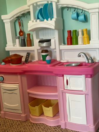 Photo Toddler Play Kitchen Toy - $40 (Bovina, Andes, Margaretville, South Kortright, Stamford)