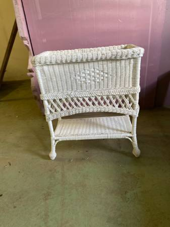 Photo White wicker plant stand - $30 (Cooperstown)