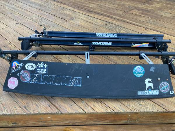 Photo Yakima roof rack with two bike mounts - $100 (Cooperstown)