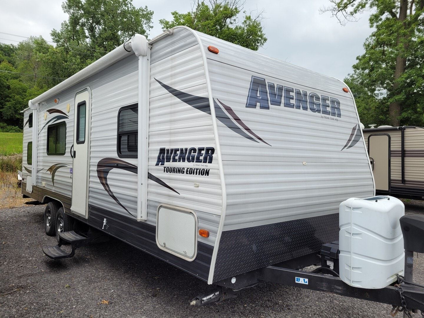 Photo Used 2014 Prime Time Manufacturing Travel Trailer RV  $14500