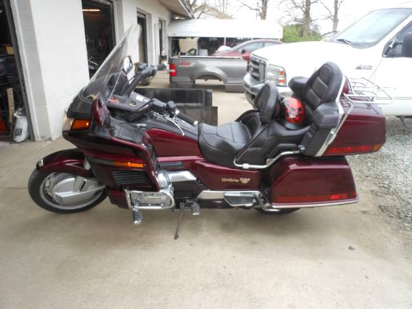 Photo 1989 Honda GoldWing GL 1500 - $3,000 (Thomasville, NC)