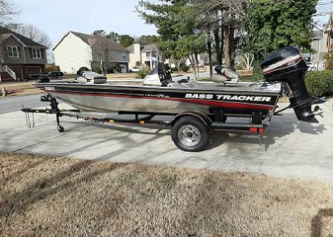 Photo 2002 Tracker 175 TX Bass Boat - $1200 (New Bern)