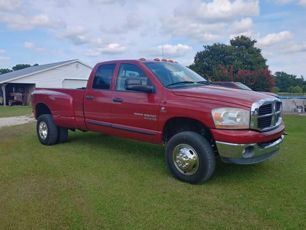 Photo 2006 Dodge Ram 3500 4x4 Dually - $25,900 (Beulaville)