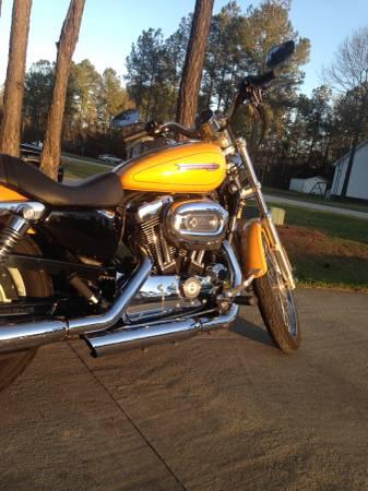 Photo 2008 Harley Davidson 1200 Sportster XL Custom - $4,000 (New Bern)