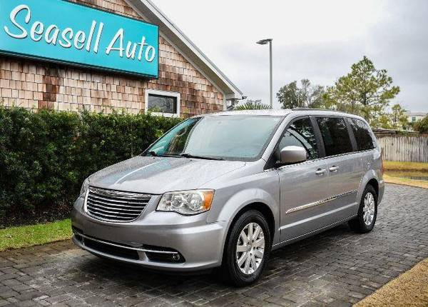 Photo 2014 Chrysler Town  Country - - $10,480 (2014 Chrysler Town  Country Seasell Auto)
