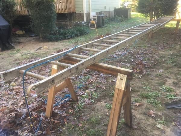 Photo 24 ft Aluminum extension ladder USED - $120 (Raleigh)