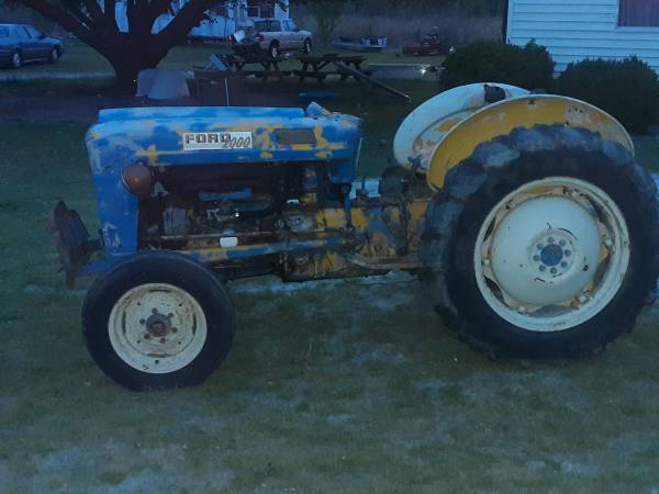 Photo 63 ford 2000 tractor - $3,500 (Richlands)