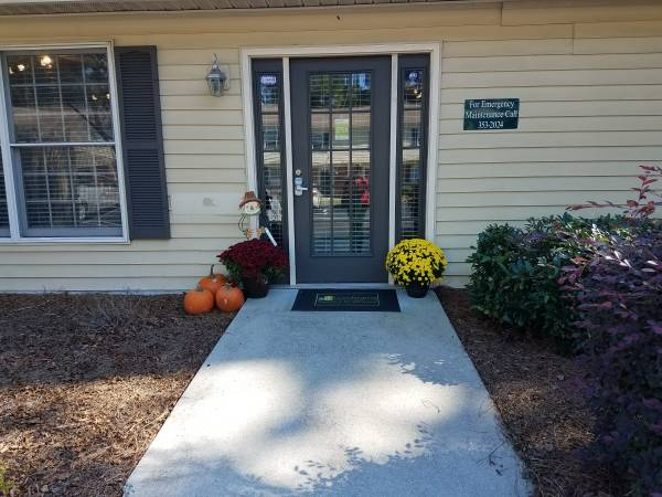 Photo Available Now 1 Bedroom Apartments at Brynn Marr Village (Jacksonville)