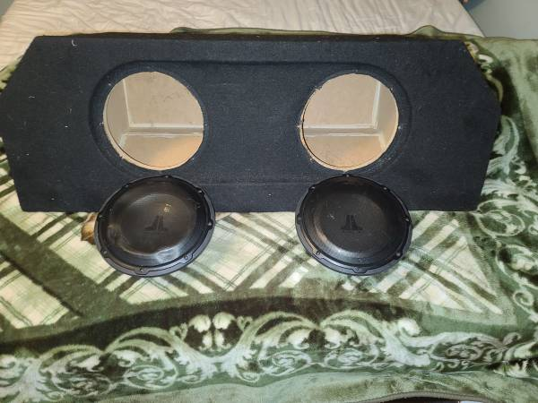Photo Custom fit Sub box for Mustangs - $250 (Jacksonville)