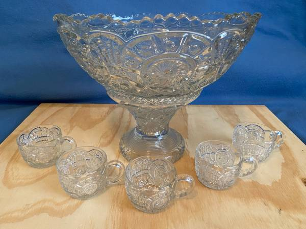 Photo Early 1900s Cut Glass Punch Bowl with Stand  5 Cups - $75 (Jacksonville)