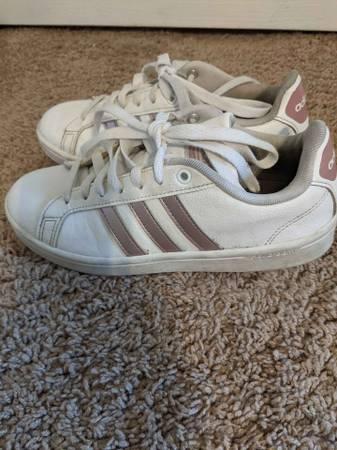 Girls size 6.5 Adidas - $20 (jacksonville)