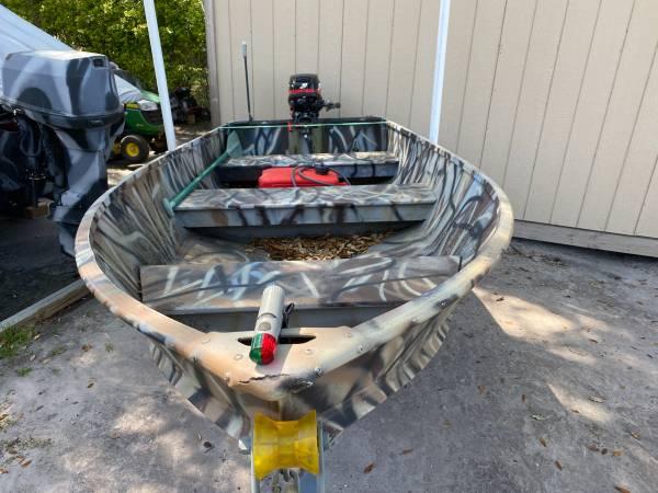 Photo Jon boat with new trailer and 15hp merc - $3,500 (New Bern)