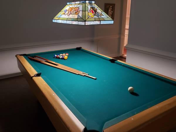 Photo Kasson Pool Table - $1000 (Morehead City)