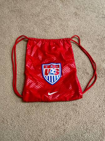 Photo Nike Nylon Red US Soccer GYM Bag Sack Backpack Drawstring - $10 (North Raleigh)