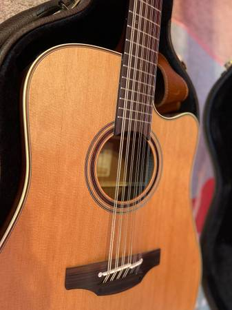 Photo Takamine p3dc-12 nat - $1,000 (Jacksonville)