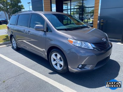 used 2017 toyota sienna le for sale